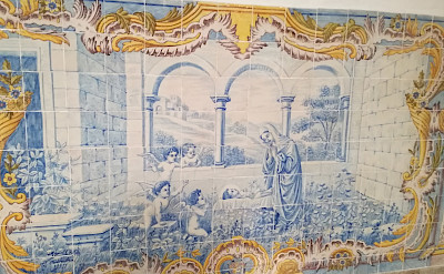 Decorative tiles on the Douro River E-Bike & Boat Tour. © TO