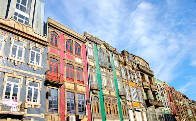 Building facades in Old Town of Porto, Portugal. Flickr:Daniel Cukier
