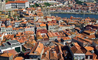 Classic red roofs of Porto, Portugal. Flickr:Vitor Oliveira