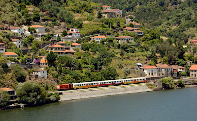 Train in Regua, Portugal. Flickr:Nelson Silva