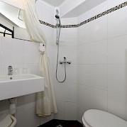 Bathroom on the Serena | North Holland | Bike & Boat
