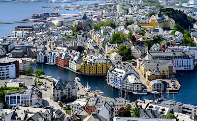 Ålesund, Norway. Flickr:dconvertini