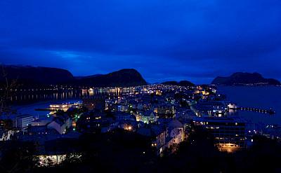 Evening in Ålesund, Norway. Flickr:knuton
