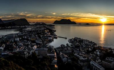 Sunset over Ålesund, Norway. Flickr:Giuseppe Milo