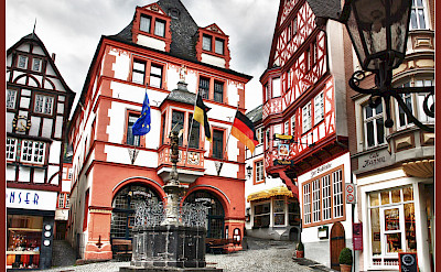 Marketplace in Bernkastel-Kues, Germany. Flickr:Bert Kaufmann