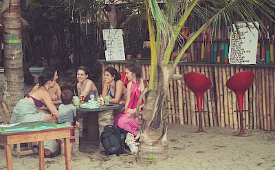 Socializing in Santa Marta, Colombia. Flickr:Catherine Ménard