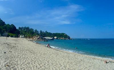 """Playa Cañaveral Beach while hiking Tayrona National Park, Santa Marta, Colombia. Flickr""""Bertahan Luxing"""