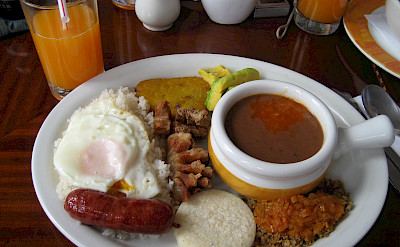 Bandeja Paisa (a traditional Colombian dish). Flickr:Christian Van Der Henst S.