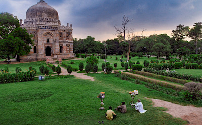 Temple in New Delhi, India. Flickr:Stefano Annovazzilodi