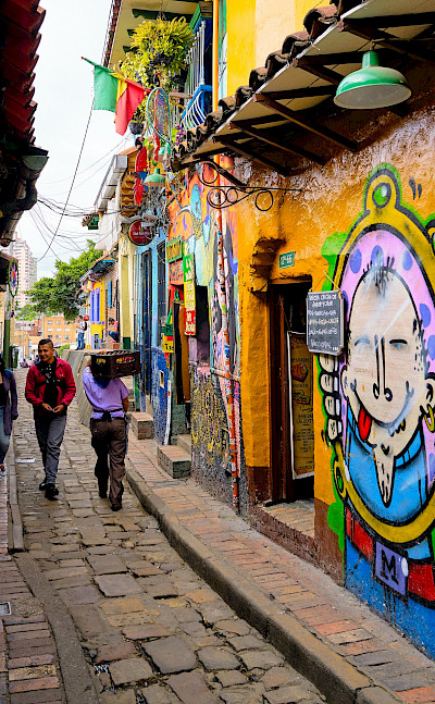 Awesome murals in Bogotá, Colombia. Flickr:Pedro Szekely