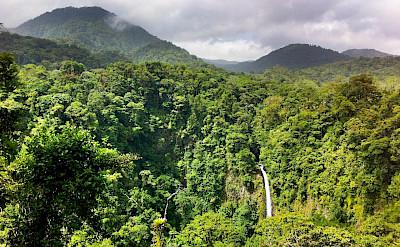 Waterfall in La Fortuna, Costa Rica. Flickr:maximb