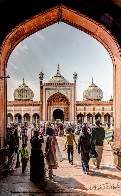 East Gate of the Jama Masjid Mosque in New Delhi, India. Flickr:Steven dosRemedios