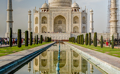 Evening at the Taj Mahal in India. Flickr:Steven dosRemedios