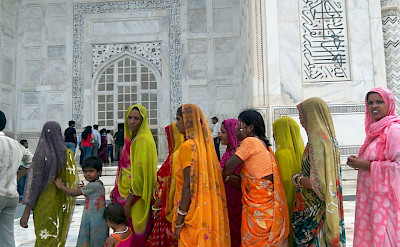 Ladies at the Taj Mahal in Agra, Uttar Pradesh, India. Flickr:Fungi_(Trading)