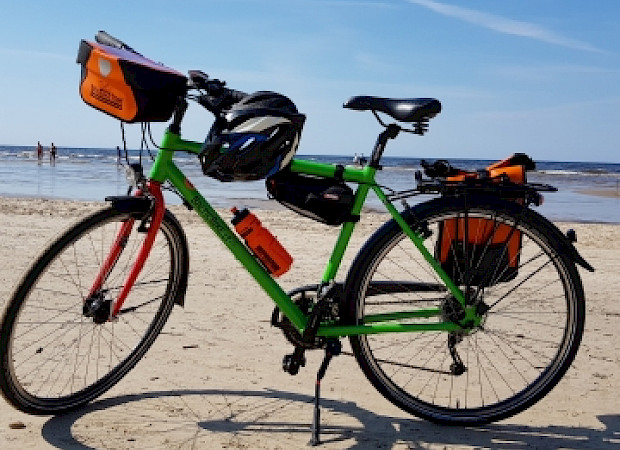 Rental bike with included & available accessories