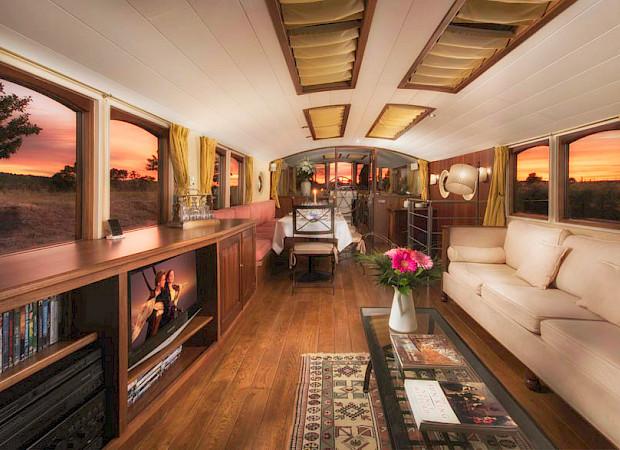 Luxurious interior | Roi Soleil | Bike & Boat Tours France ©Roi Soleil