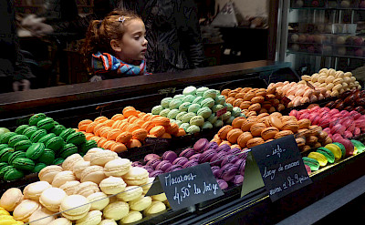 Macarons at the Chocolatier Shop in the Bordeaux region of France. Flickr:Etienne Gerard