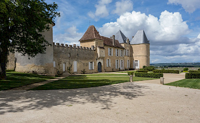 Château d'Yquem in southern Bordeaux, France. Flickr:Graeme Churchard