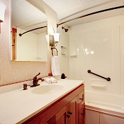Bathroom Commodore Suite | Safari Explorer | Alaska and Hawaii Cruise Tour