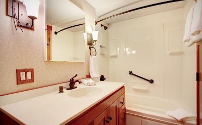 Bathroom Commodore Suite | Safari Explorer | Alaska and Hawaii Cruise Tour