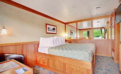 Commander cabin | Safari Explorer | Alaska and Hawaii Cruise Tour