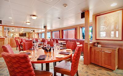 Dining Room | Safari Explorer | Alaska and Hawaii Cruise Tour