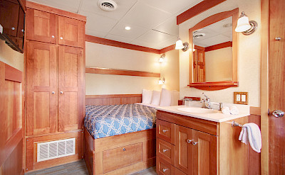 Master cabin | Safari Explorer | Alaska and Hawaii Cruise Tour
