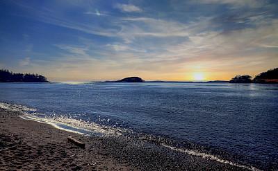 Deception Pass Beach in Washington. Flickr:paweesit