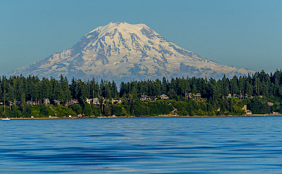 South Puget Sound with view of Mount Rainer in Washington. Flickr:LDELD
