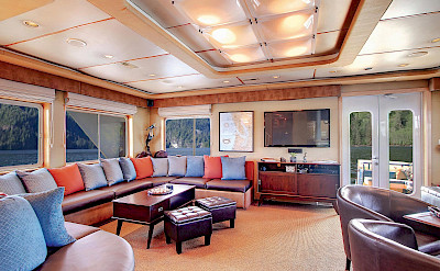 Lounge | Safari Quest | Pacific Northwest Cruise Tour