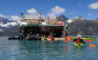 Kayaking in Glacier Bay in Alaska. ©TO