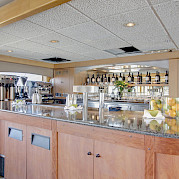 Bar | Safari Endeavour | Alaska Cruise Tour