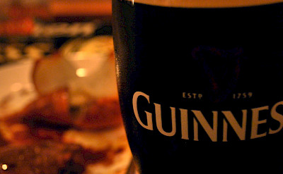 Guinness at the pub in England. Flickr:Yumi Kimura