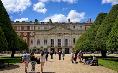 Hampton Court built by Henry VIII in 1515. Flickr:Paul Hudson