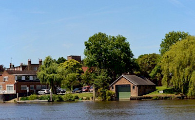 Old Shepperton in England. Flickr:stu smith
