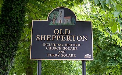 Old Shepperton, England. Flickr:distillated