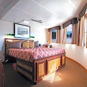 Junior Commodore cabin 302 | Wilderness Legacy | Pacific Northwest