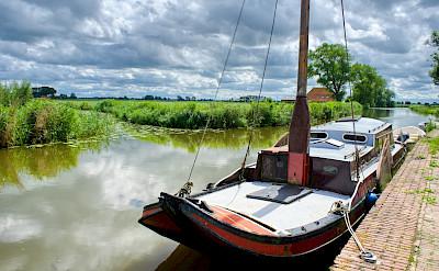 Canals & boats in Stavoren, Friesland, the Netherlands. Flickr:Bruno Rijsman