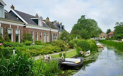 Houses in Stavoren on the IJsselmeer in Friesland, the Netherlands. Flickr:Bruno Rijsman