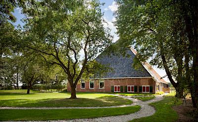 Typical farms in Friesland, the Netherlands. Flickr:Branchevereniging Nederlandse Architectenbureaus