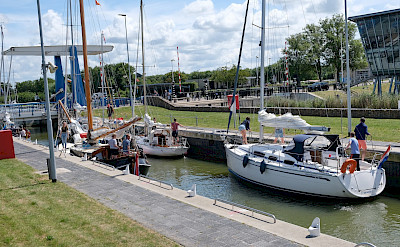 Lock in Friesland, the Netherlands. Flickr:Claudia Schillinger