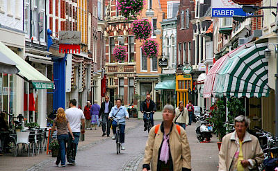 <i>Kleine Houtstraat</i>, a shopping street in Haarlem, the Netherlands. CC:Marek Slusarczyk
