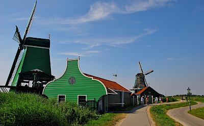 Biking through Zaandam in the Netherlands. Flickr:David Sanz