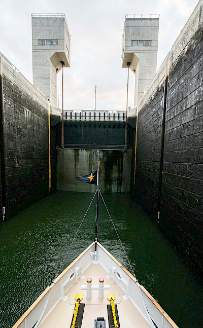 Lock on the Columbia River, Oregon. ©TO