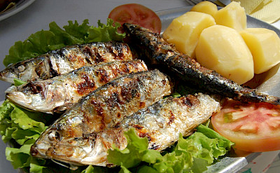 Grilled sardines in Portugal. CC:Yusuke Kawasaki