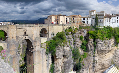 Ronda, connected by a bridge in Málaga, Andalusia, Spain. Flickr:Wolfgang Manousek