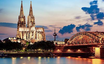 Cologne Cathedral & Hohenzollern Bridge. Flickr:Jiuguang Wang