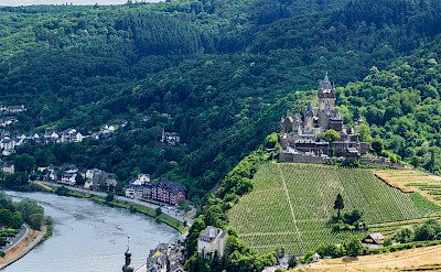 Towering Reichsburg in Cochem, Germany. Flickr:Frans Berkelaar