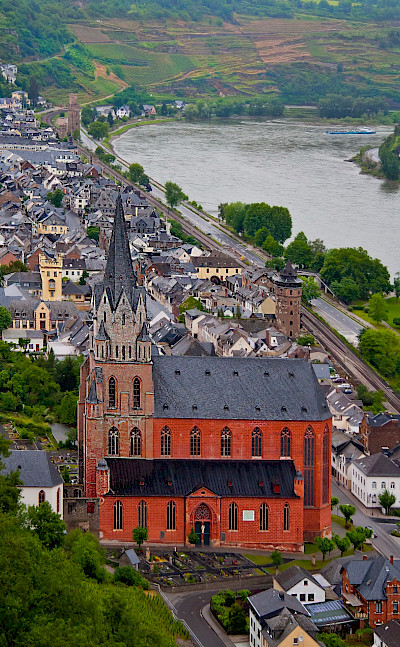 Church in Oberwesel on the Rhine River with Schonburg Castle. Flickr:Madison Berndt