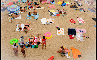 From bike to beach in Calella de Palafrugell, Costa Brava, Catalonia, Spain. Flickr:Jos Dieslis